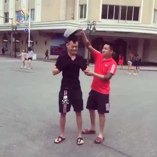 Watch Troll Tụt quần giữa phố đi bộ GIF on Gfycat. Discover more related GIFs on Gfycat