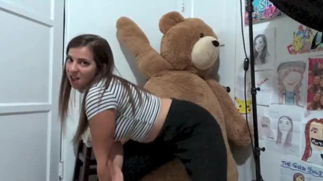 GABBIE Sexy ass twerk vine