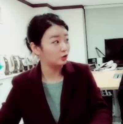 Watch and share 윤보미 GIFs on Gfycat