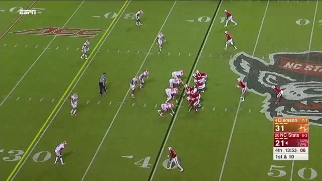 Watch and share Quintin Lash GIFs and Football GIFs on Gfycat
