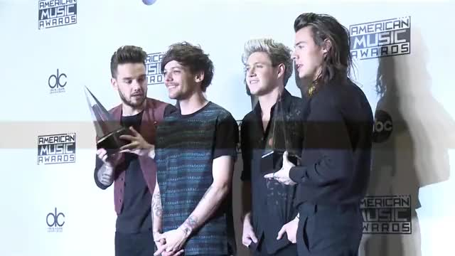 Watch and share Brit Awards 2018 GIFs and One Direction GIFs by Mackenzie styles on Gfycat