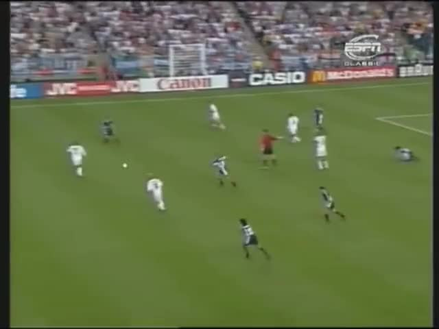 Watch GOL HISTORY #42 - Owen vs Argentina GIF on Gfycat. Discover more Argentina (Country), David Beckham (Author), England National Football Team (Football Team), FIFA World Cup (Football Competition), Football (Sport), France 98, Goal, History, Michael Owen (Football Player), Soccer GIFs on Gfycat