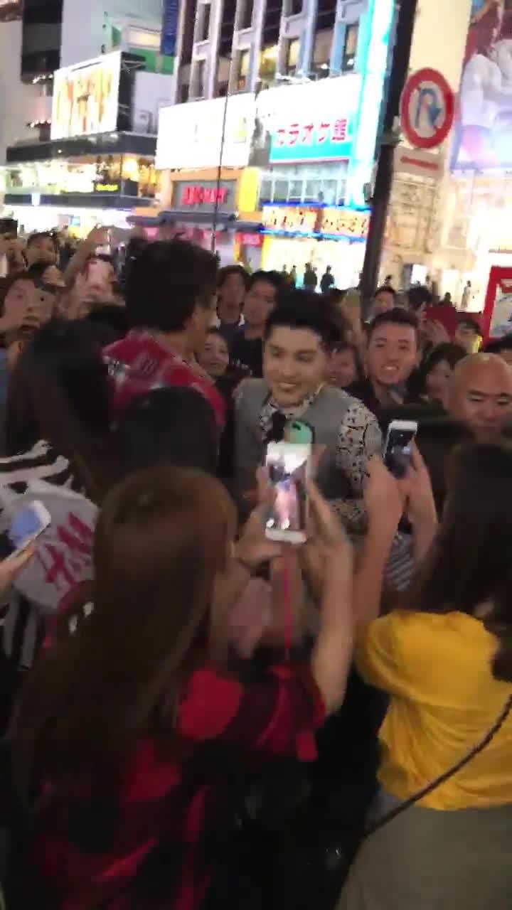 Noo Phước Thịnh trình diễn loạt hit cực máu lửa cùng đông đảo fan tại Nhật